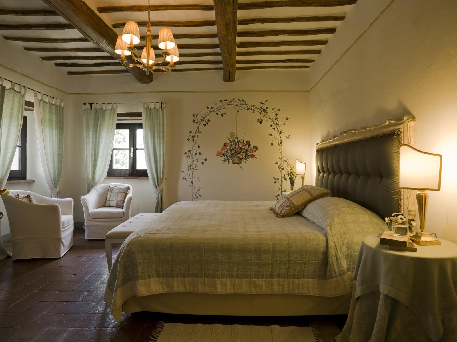 vms-room-suite-villa-monte-1